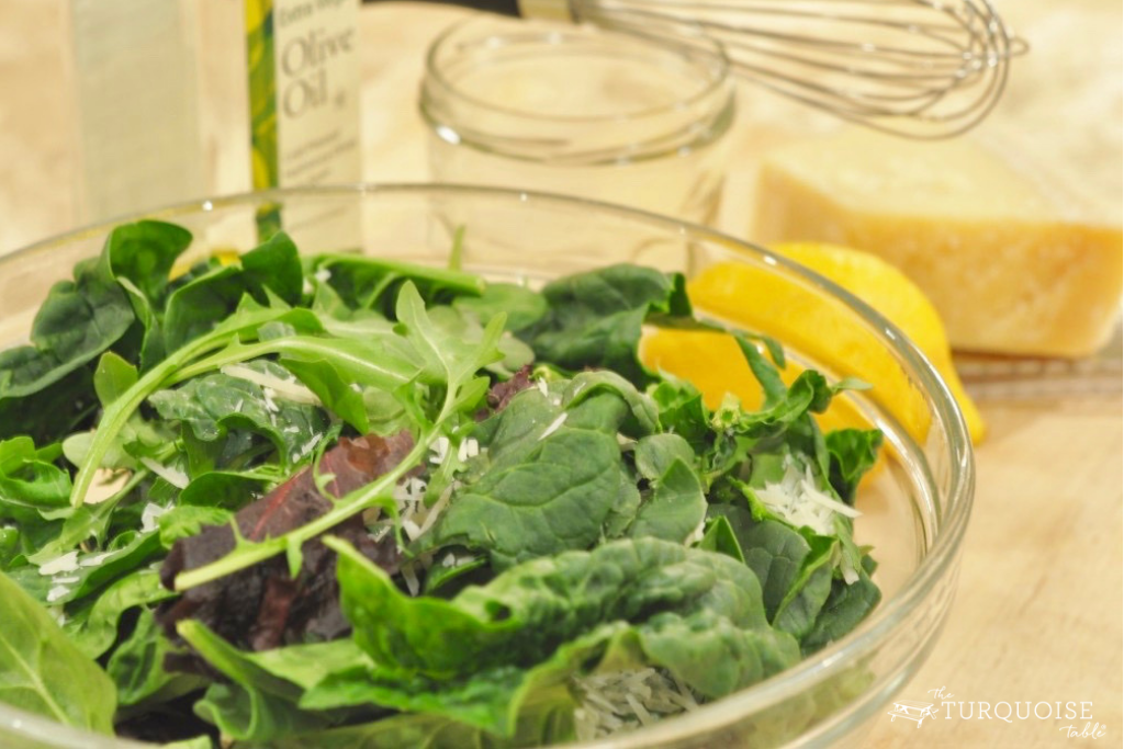 Spinach Salad | theturquoisetable.com